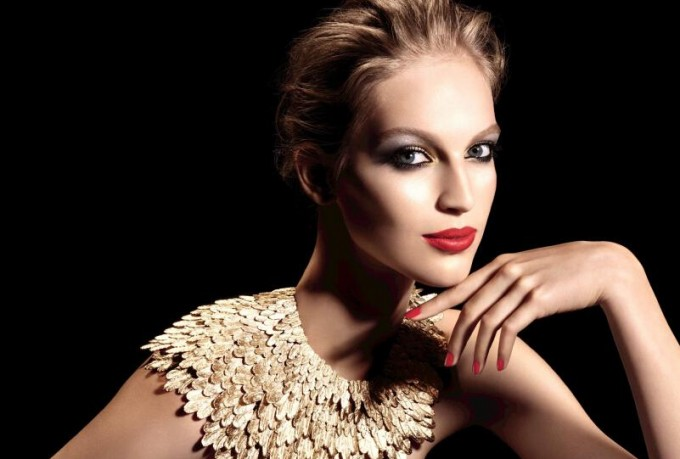 Chanel reveals Christmas make-up collection