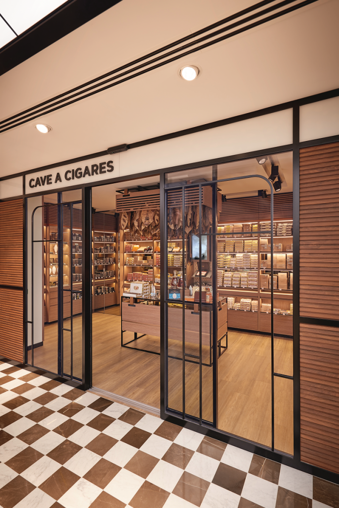 Davidoff Cave à Cigare opens at Paris CDG duty-free store