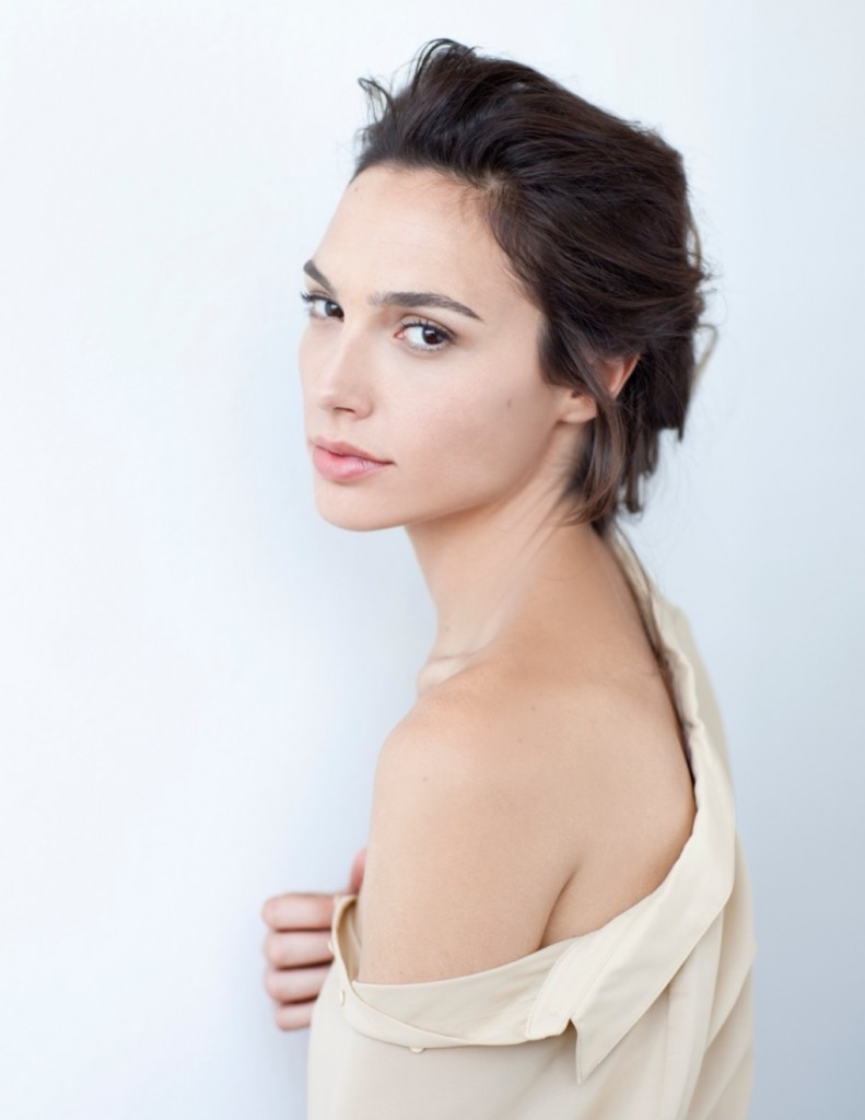 Gal-Gadot-Named-The-New-Face-of-Gucci-Bamboo-fragrance2-1020x1321