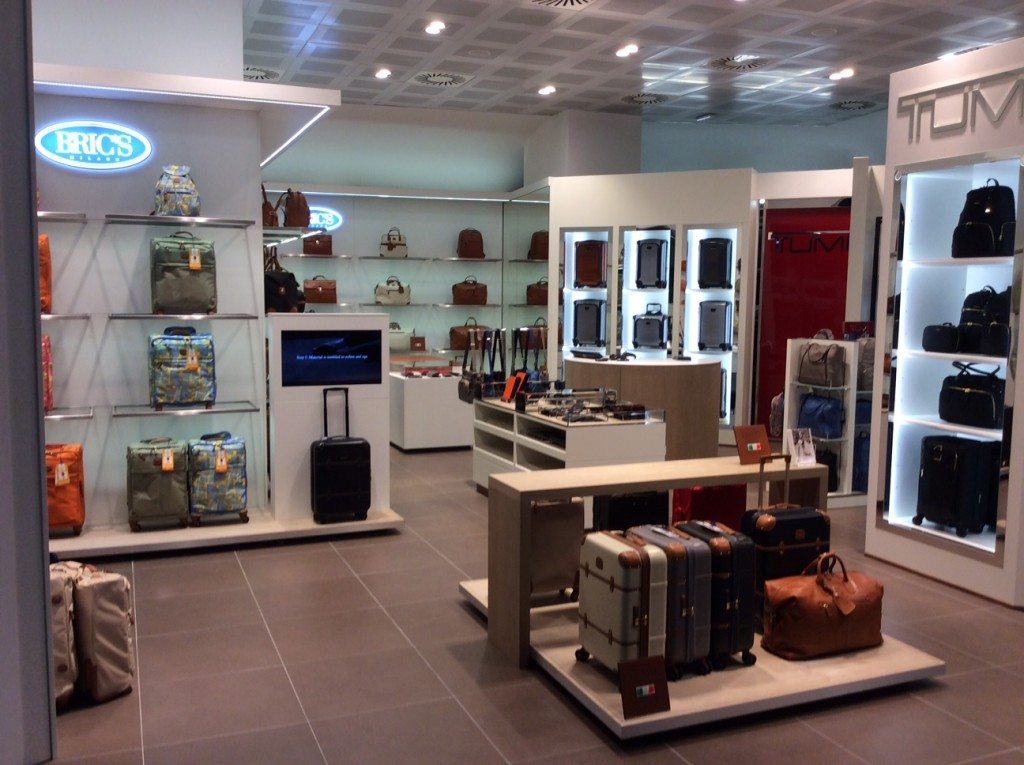Bric's side by side store_Inside_MXP Airport