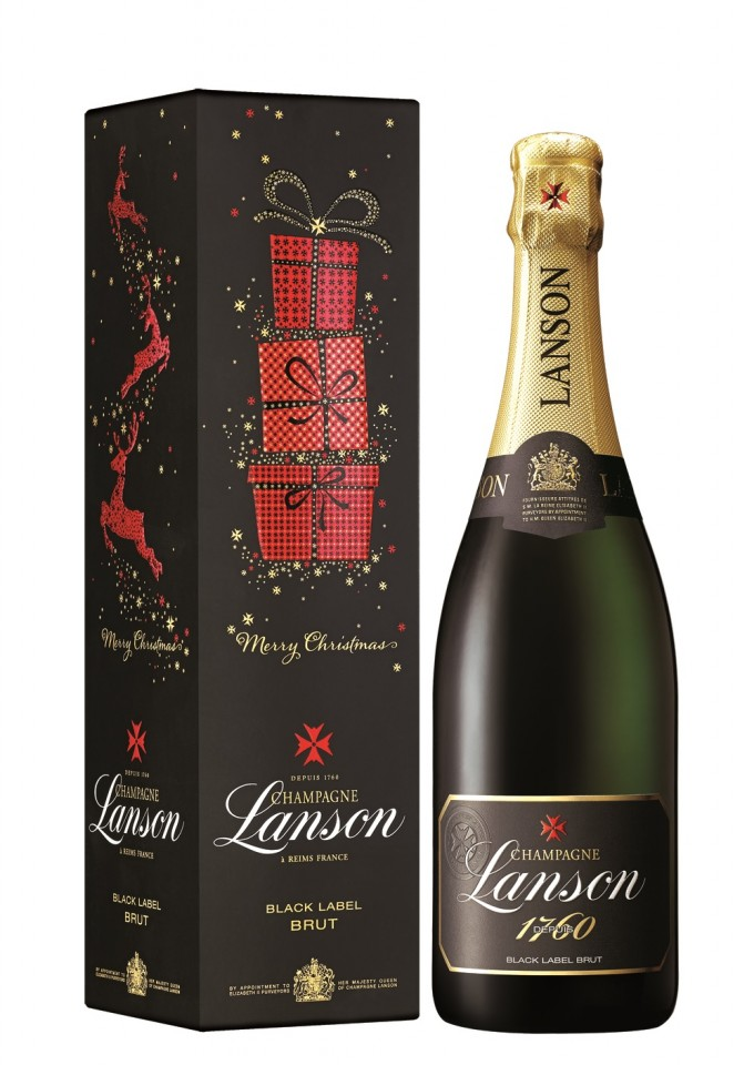 Lanson brings Christmas cheer to Paris travellers