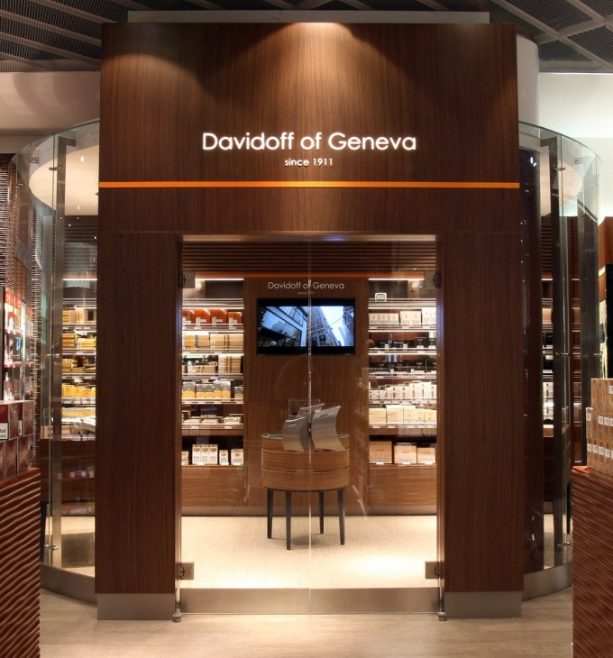 Davidoff cigars opens walk-in humidor at Frankfurt airport duty free