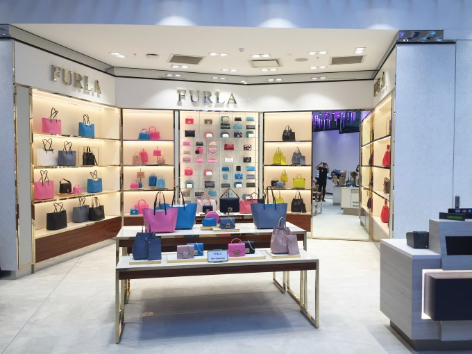 Furla opens new boutique at Sydney Airport