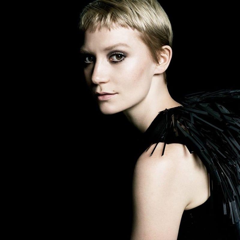 mia-wasikowska-prada-la-femme-perfume-campaign05