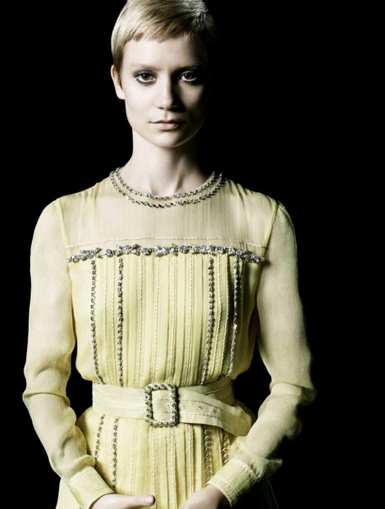 mia-wasikowska-prada-la-femme-perfume-campaign06