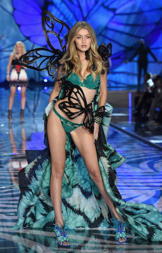 gigi-hadid-victorias-secret-2015-fashion-show
