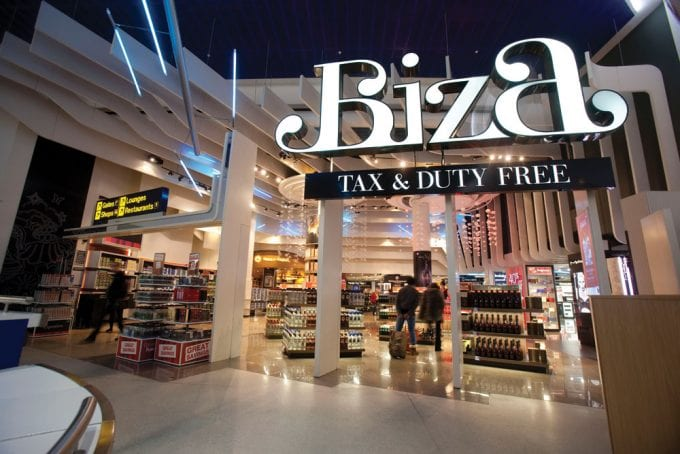 Click & Collect shopping arrives at more UK airports in time for Summer