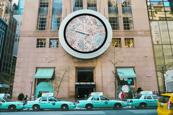 Tiffany & Co. introduces new Paper Flowers collection – and paints New York City in Tiffany blue