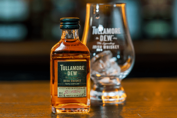 Tullamore D.E.W. whiskey takes to the skies with Aer Lingus