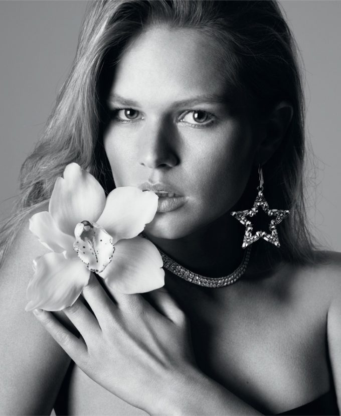 Anna Ewers delivers 'natural glam' for Liu Jo