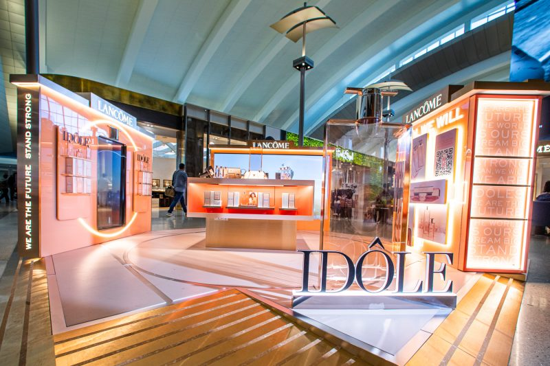 Lancôme Idôle wows global shoppers with pop-up at LAX