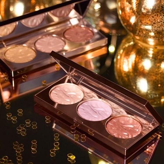 Laura Mercier Paints the Town Gold with holiday collection for travellers