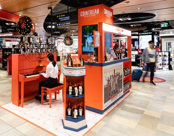 The curtain lifts on Cointreau Le Cocktail Show in Brisbane Airport duty free