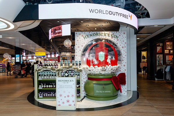 Hendrick's Gin's delightfully unusual snow globe thrills travellers at London Heathrow