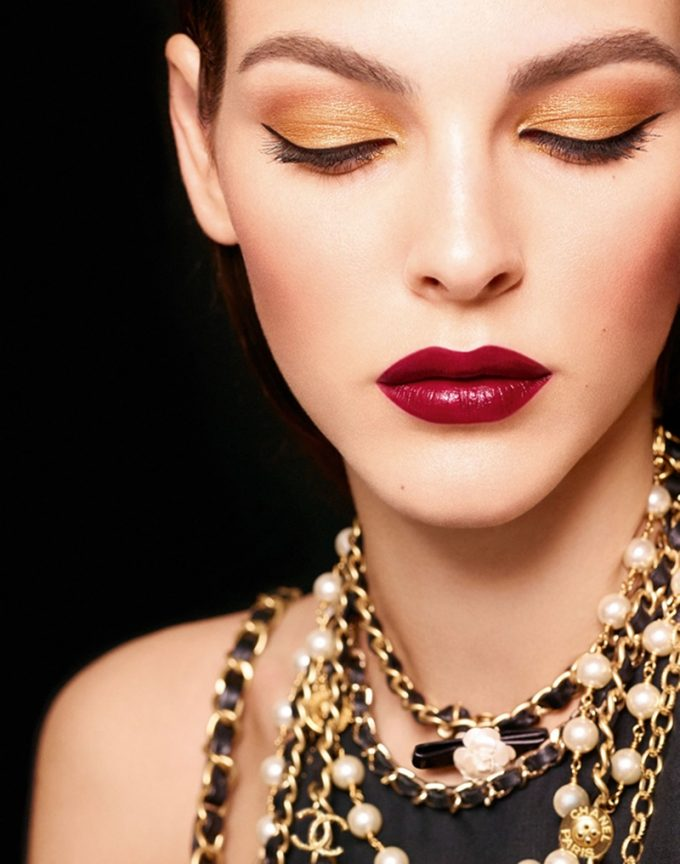 CHANEL unwraps 'Les Chaines d'Or' Holiday makeup collection