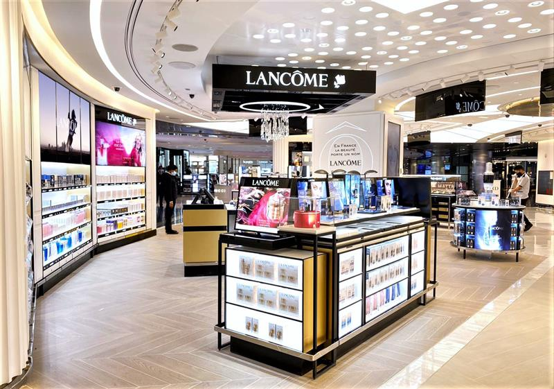 Lancôme and YSL Beauty bring Beauty Tech to travellers at Qatar Duty Free in Doha