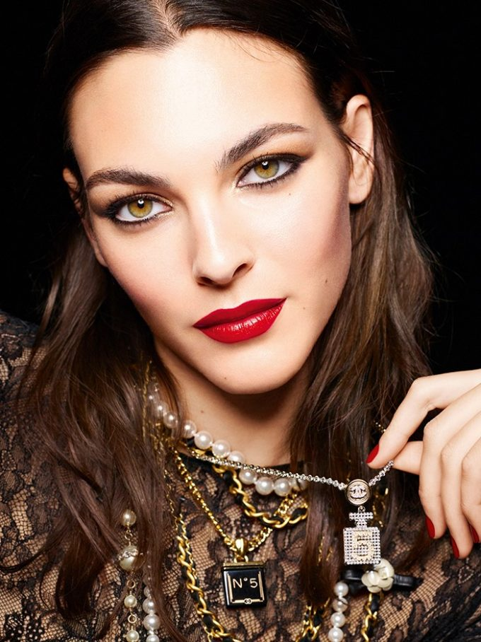 CHANEL launches limited-edition N°5 makeup collection for the holiday season